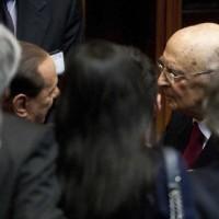 """Il retroscena: """"Napolitano trattò con Berlusconi nell'ufficio dell'avvocato Coppi. Grazia in cambio del ritiro dalla politica"""""""