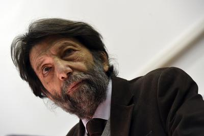 """Massimo Cacciari: """"Ecco perché dico no al green pass e alla logica del sorvegliare e punire"""""""