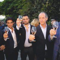 Emiliano e Zaia: che buono il vino di Vespa, specie se siamo in tanti e senza mascherina