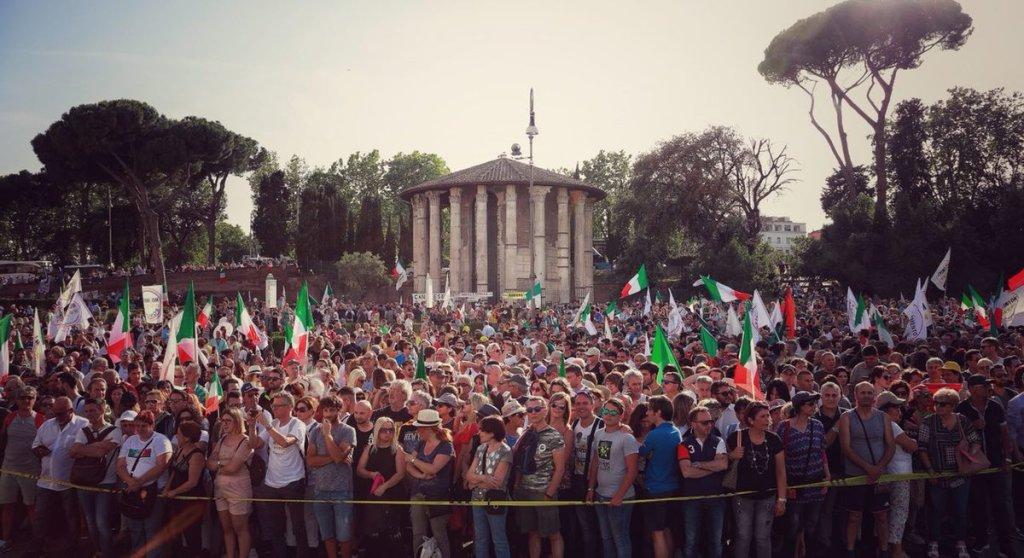 Il partito di Conte e la ribellione del Movimento