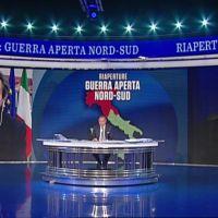 """La linea Vespa, la """"pancia"""" e i pansotti di Toti in tv"""