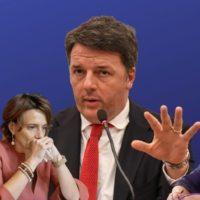 """Le ombrelline di Renzi: lui parla mentre le """"sue"""" ministre dimissionarie tacciono"""