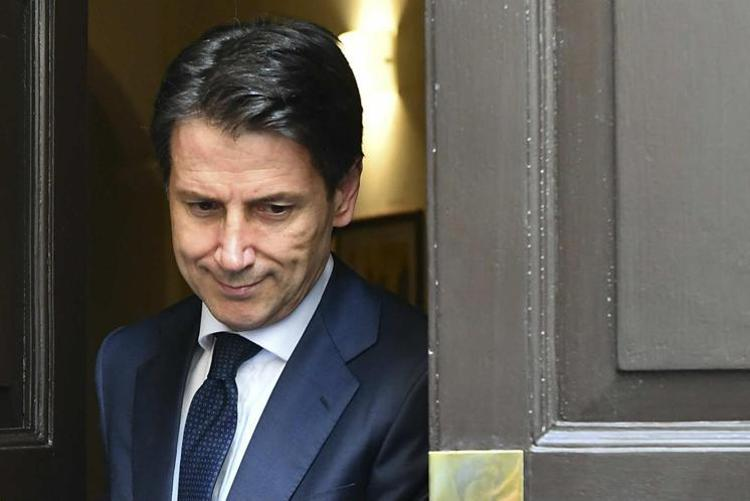 Da Renzi alla grande stampa la crociata anti-Conte fa flop