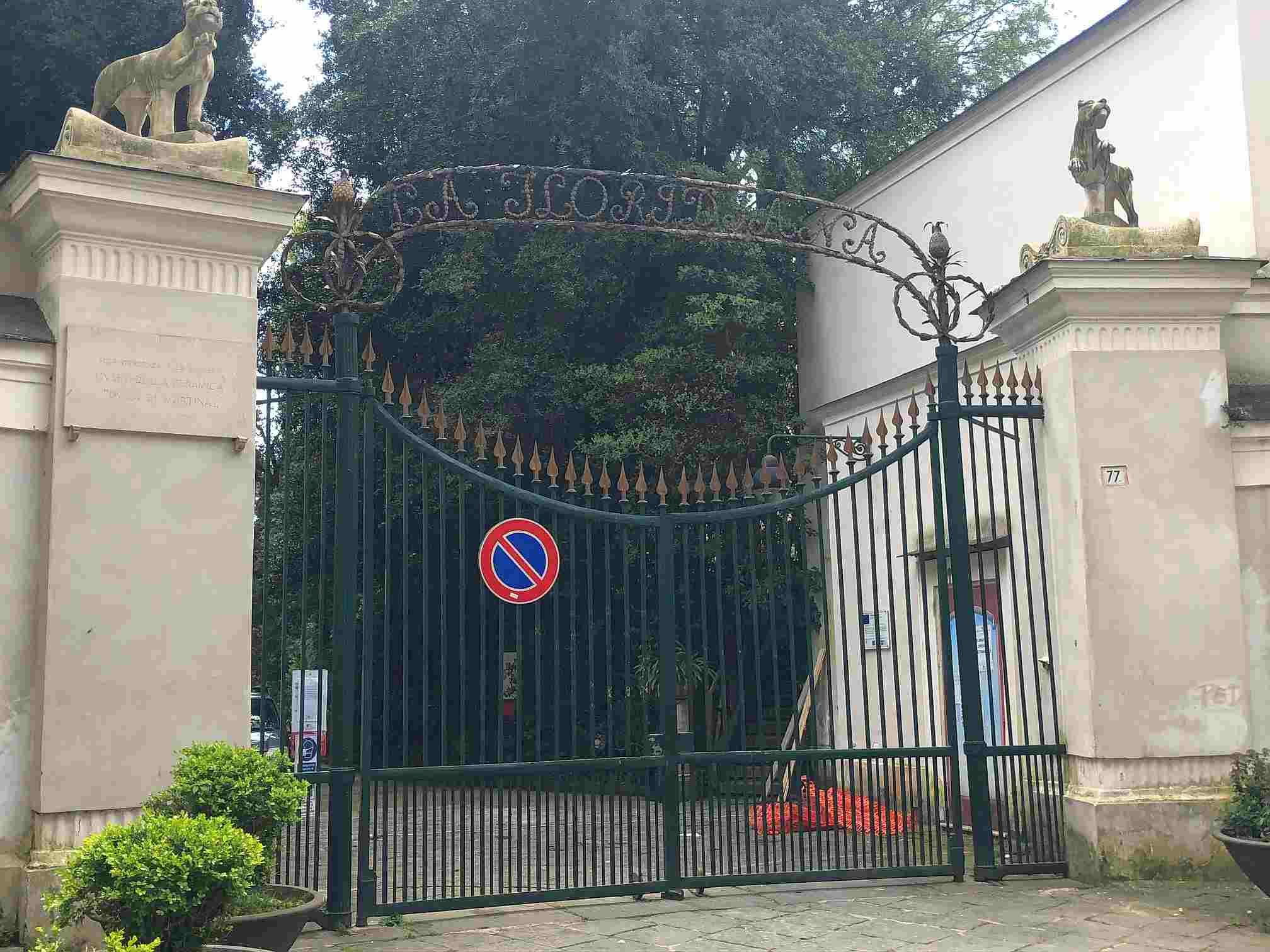 Napoli, villa Floridiana: proteste per la mancata riapertura del parco