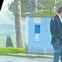 Il video complottista del debunker che difende Renzi dall'inchiesta di Report