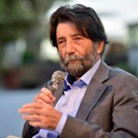"""Massimo Cacciari: """"È incredibile come quanto più siamo asserviti, tanto più presumiamo di essere liberi"""""""