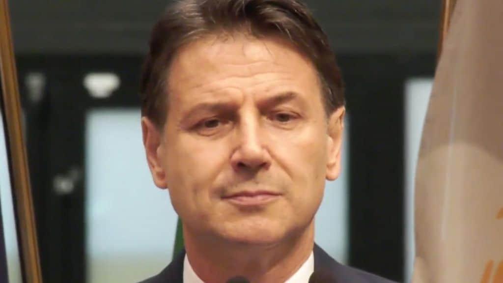 """Conte: """"Restiamo leali a Draghi ma pretendiamo il rispetto degli impegni"""""""