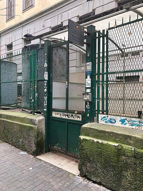 Napoli: appello a Manfredi per la riapertura della biblioteca Croce